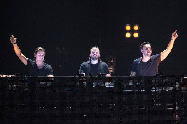 Swedish-House-Mafia-2012-klsa-billboard-1548